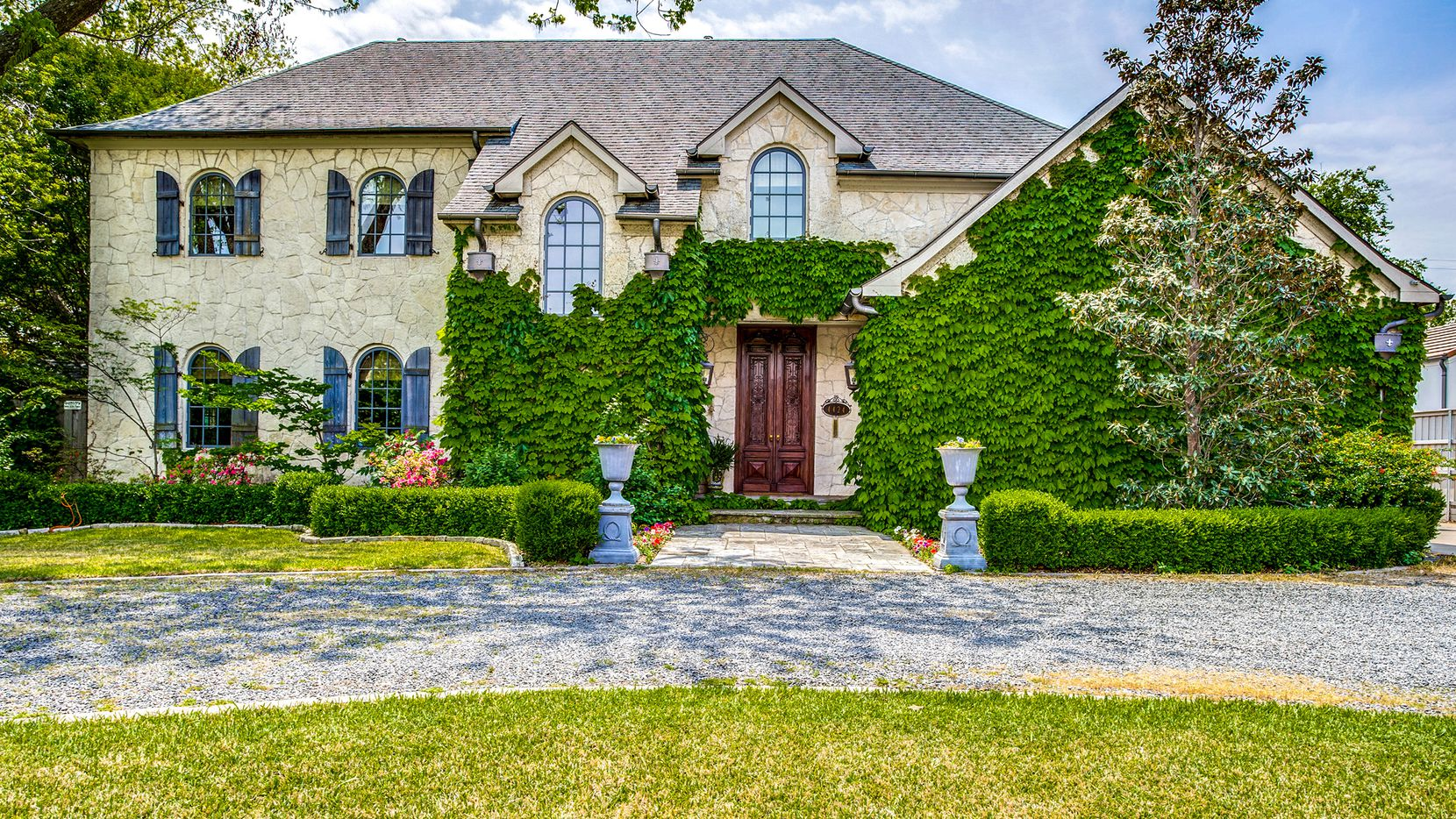 The estate at 4424 Manning Lane in Preston Hollow is new to the market.
