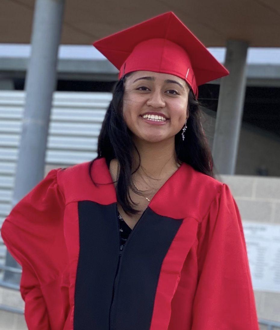 Yolanda Batz Tzul, de 18 años, ganó dos becas para estudiar Medicina en la Universidad de Houston. Es originaria de Guatemala y llegó a Estados Unidos a los 3 años de edad, en el 2005.