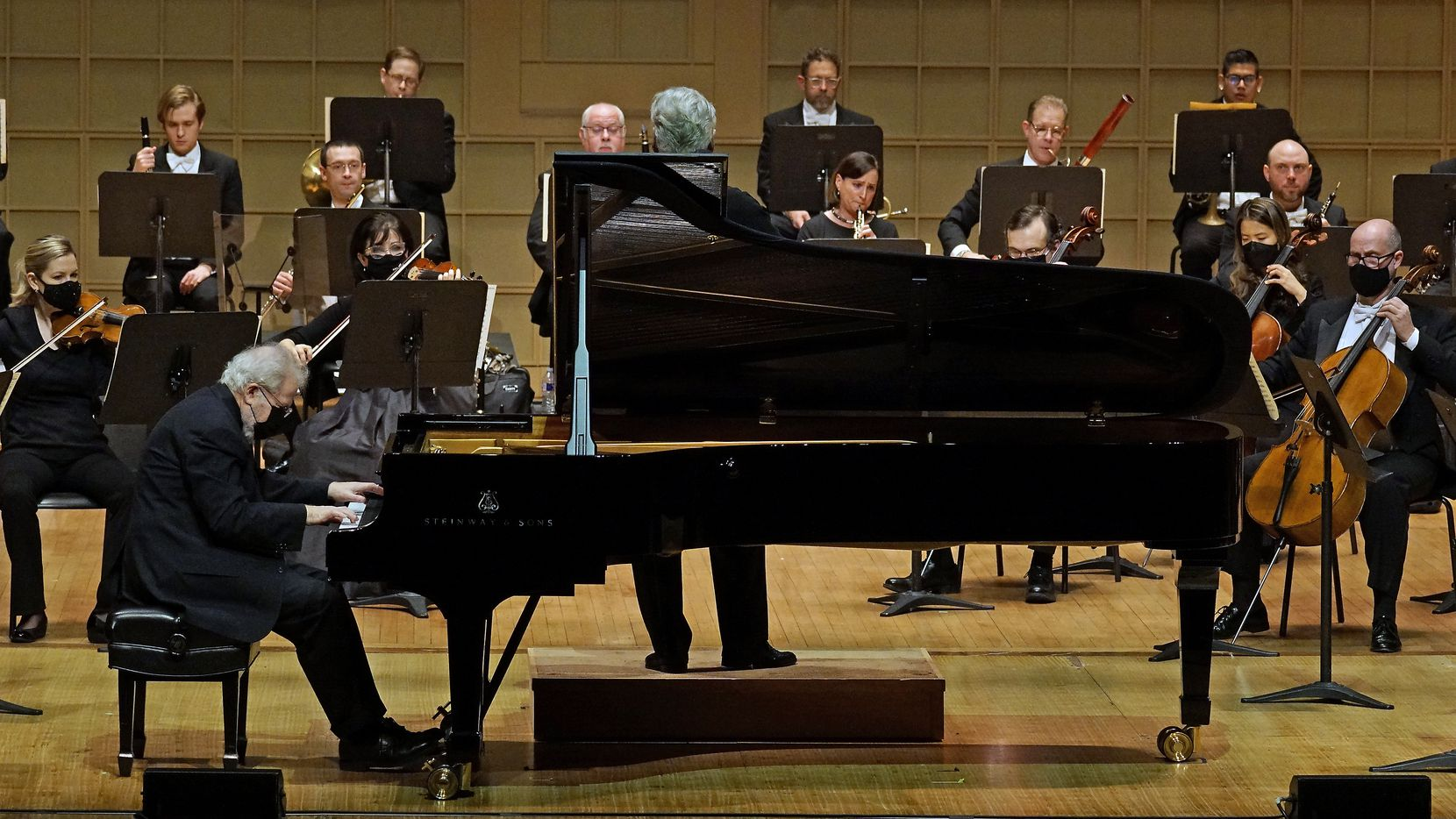 Guest pianist Emanuel Ax performs with the Dallas Symphony Orchestra at the Meyerson Symphony Center in Dallas on Dec. 17, 2020.  (Lawrence Jenkins/Special Contributor)