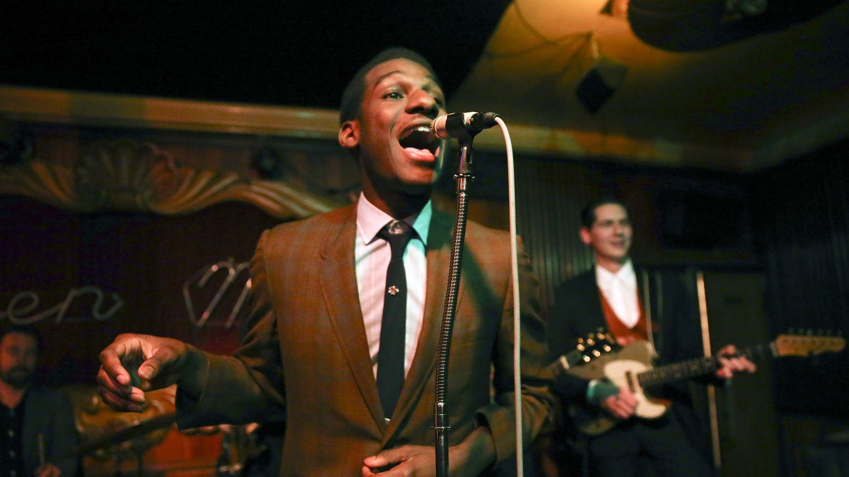 Leon Bridges performed at Chicago's Green Mill Jazz Club in April. The Fort Worth singer will be at the Majestic on Nov. 14. (Nuccio DiNuzzo/Chicago Tribune/TNS)