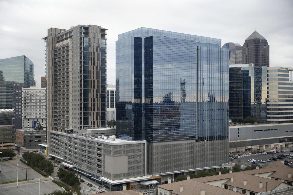 El edificio The Union, en Uptown, contará con 22 pisos. Un nuevo edificio tendrá 40, pero lejos de las alturas de otras épocas. (DMN/DANIEL CARDE)