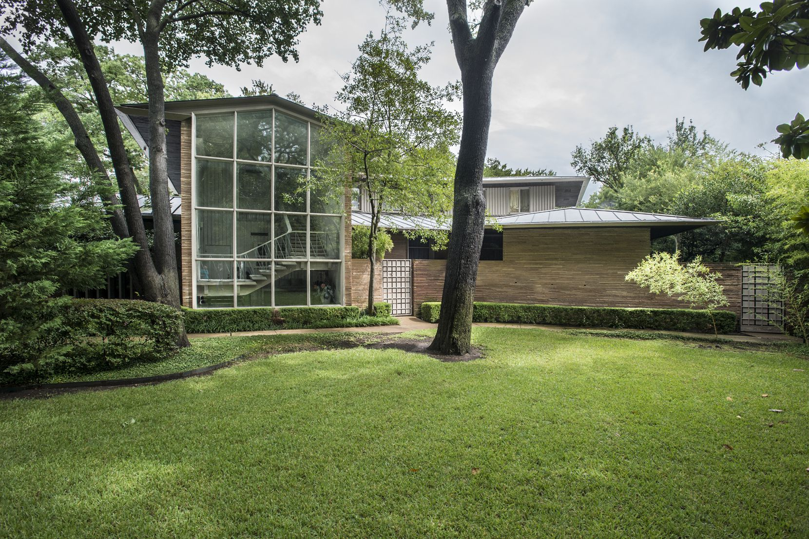 The Vaughn house in Preston Hollow, built in 1951 and scheduled for auction in February