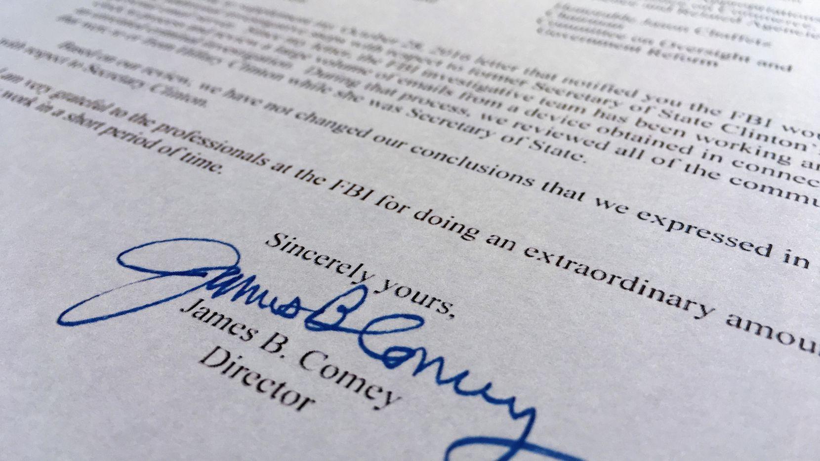 La carta que el director del FBI James B. Comey envió al congreso el domingo. (AP)