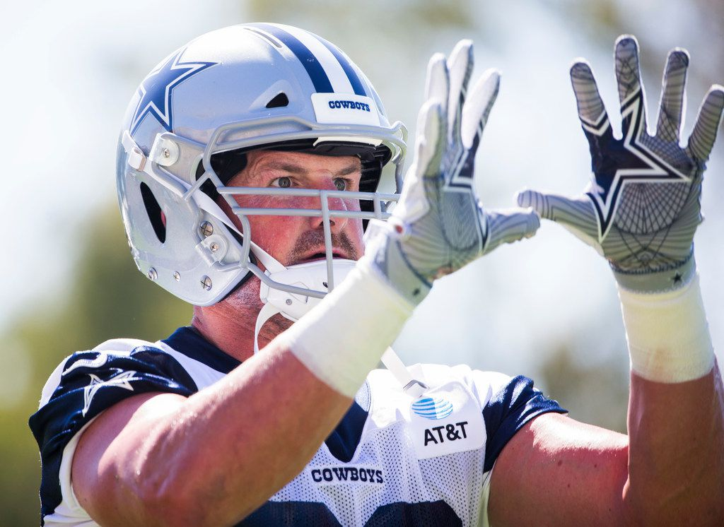 Dallas Cowboys tight end Jason Witten (82) looks for a pass during an afternoon practice at training camp in Oxnard, California on Saturday, July 27, 2019. (Ashley Landis/The Dallas Morning News)