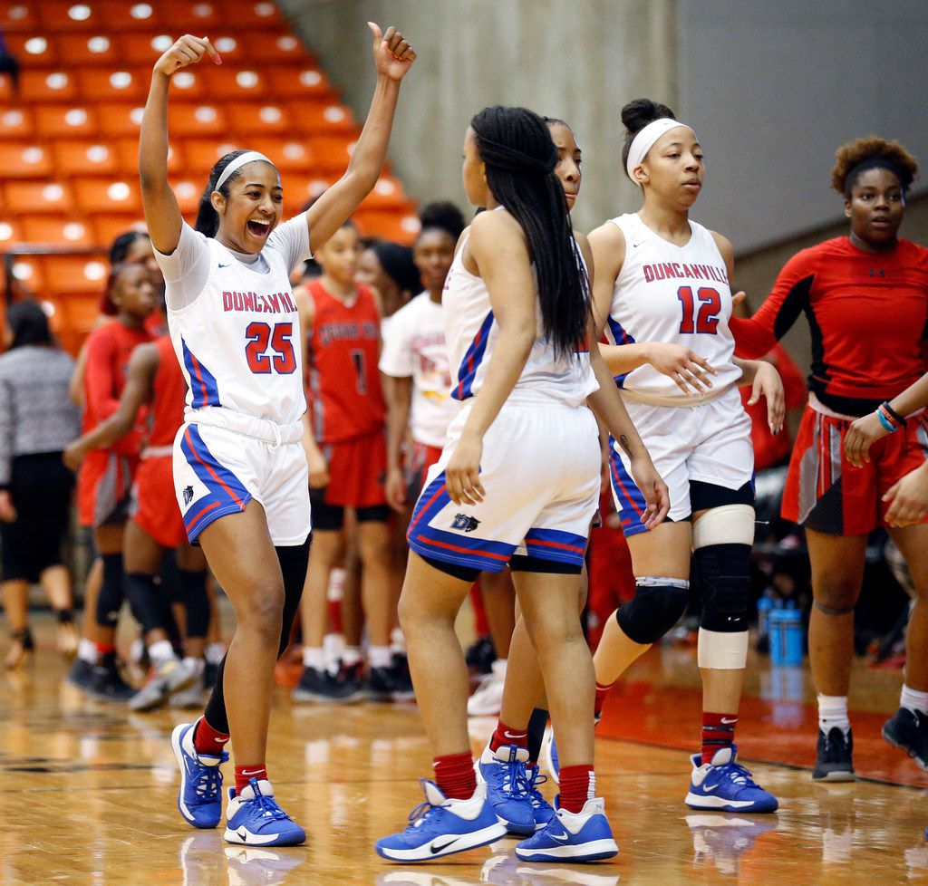 Duncanville's Deja Kelly (25) celebrates their win over Cedar Hill in the Class 6A Region I championship game at Wilkerson-Greines Activity Center in Fort Worth, Saturday, February 29, 2020. Duncanville won the title game, 56-54. (Tom Fox/The Dallas Morning News)