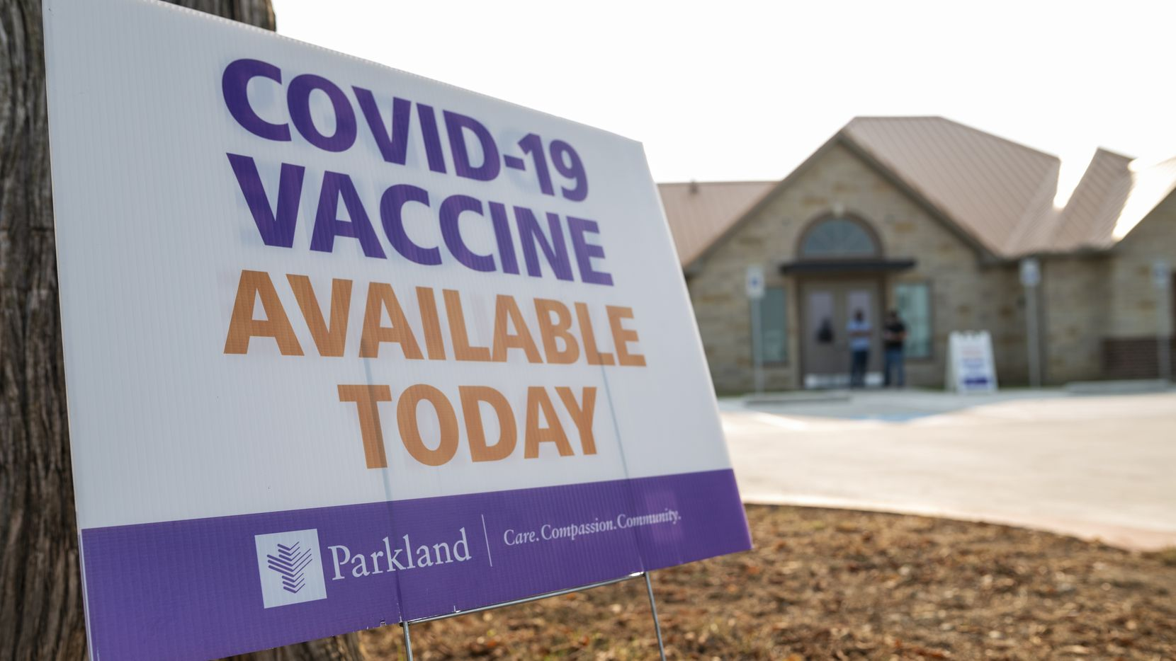 A sign advertised a COVID-19 vaccination clinic at the Glenn Heights Senior Center on Saturday.