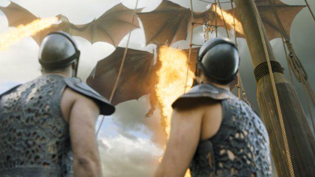 Los tres dragones en pleno vuelo.