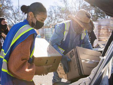 El North Texas Food Bank retomará esta semana su entrega de despensas a familias necesitadas