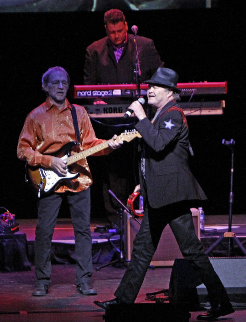 Mickey Dolenz, right, and Peter Tork of the musical group The Monkees, perform on Tuesday.