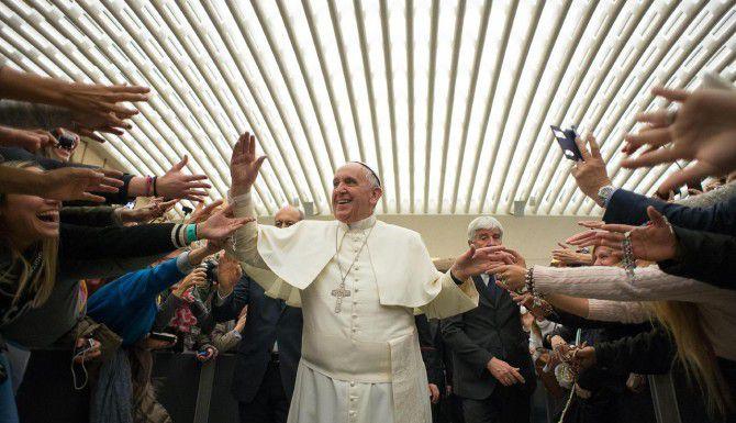 El papa Francisco durante una audiencia general en el Vaticano.(AP)