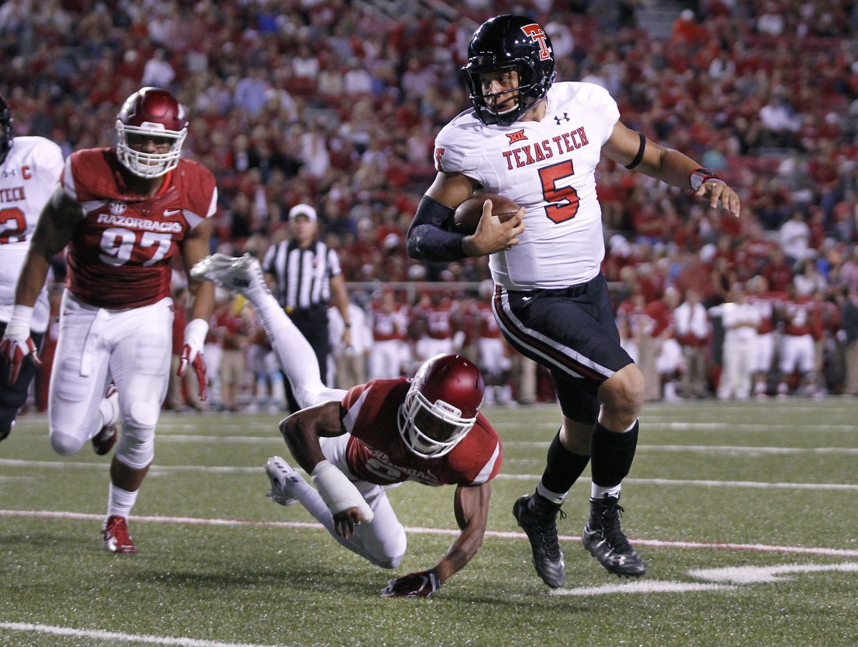 Patrick Mahomes / Junior QB / 6-foot-3, 230 pounds / 2015 stats: Started in all 13 games, 364 completions on 573 pass attempts, finished with 4,653 passing yards and 36 passing touchdowns, rushed for 456 yards and 10 rushing touchdowns / Notable: As the only without-a-doubt starter, junior quarterback Patrick Mahomes II is expected to excel expectations. Already listed on major awards watch lists throughout the nation, Mahomes looks to lead the Red Raiders to their first Big 12 Championship in school history. He is one of five quarterbacks in FBS history to have passed for 4,000 yards and 30 touchdowns, as well as rush for at least 450 yards and 10 touchdowns. Mahomes is the key player on the Tech squad. If Mahomes can sling the ball and backup the defense this season, the Red Raiders are destined for improvement from the previous 7-6 finish in the 2015 season.