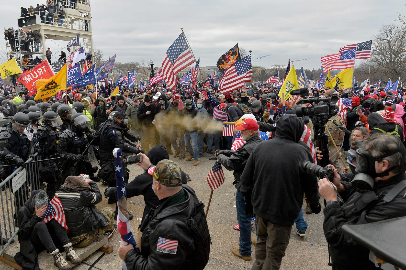 TOPSHOT - Trump supporters clash with police and security forces as they storm the US Capitol in Washington D.C on January 6, 2021. - Demonstrators breeched security and entered the Capitol as Congress debated the a 2020 presidential election Electoral Vote Certification. (Photo by Joseph Prezioso / AFP) (Photo by JOSEPH PREZIOSO/AFP via Getty Images)
