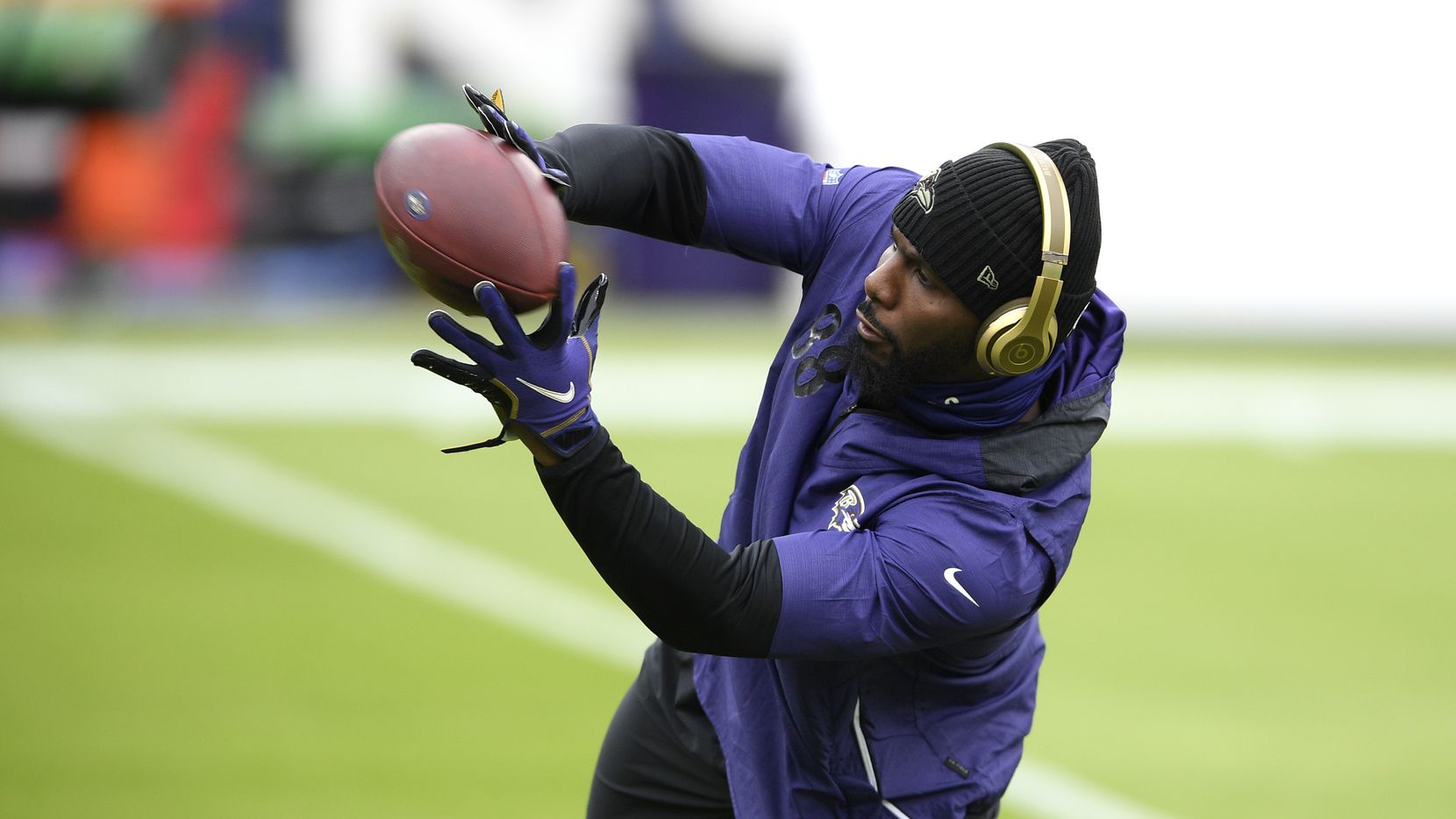 Baltimore Ravens wide receiver Dez Bryant works out prior to an NFL football game against the Tennessee Titans, Sunday, Nov. 22, 2020, in Baltimore.