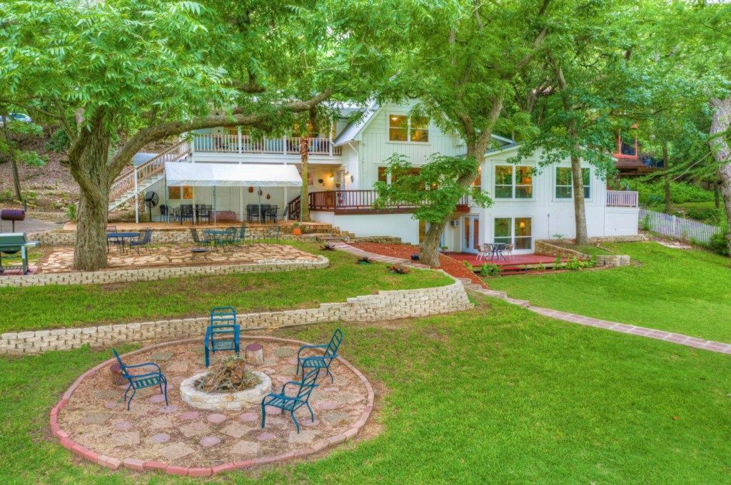 A look at the Gruene River Haven listing on VRBO.