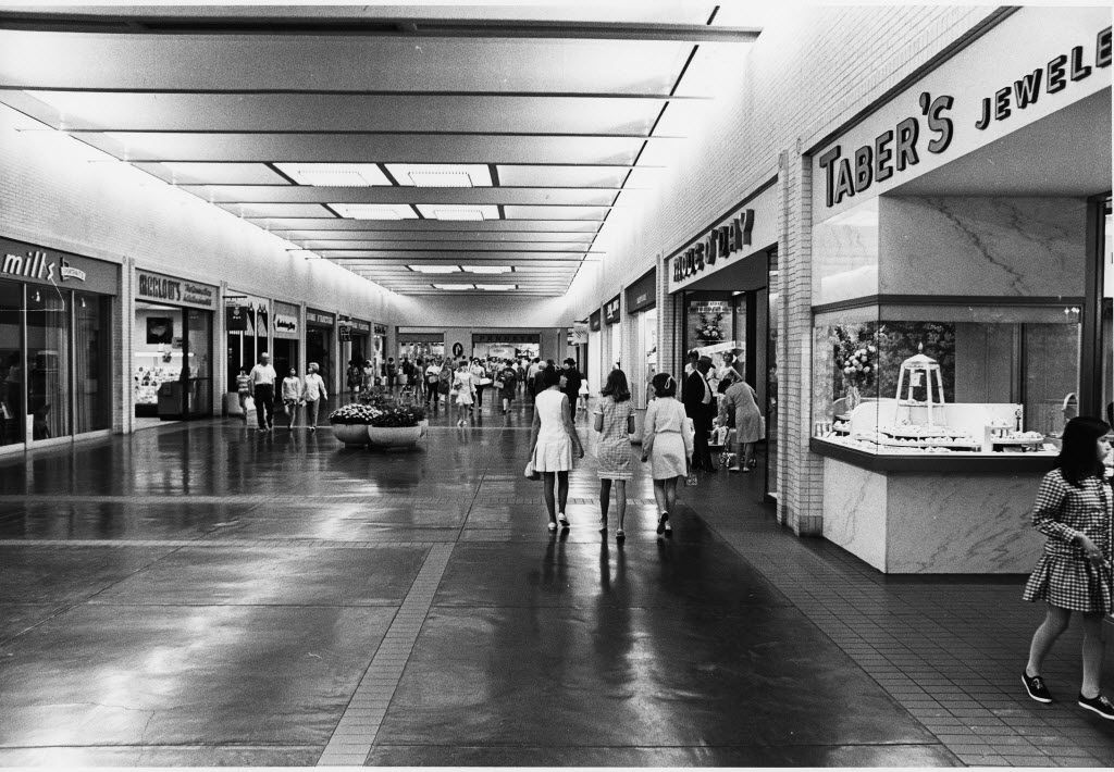 The store on the right that these young women were probably heading into was called Mode O' Day. It was a popular dress store for young women that sold its own brand -- basically the J.Crew of the late 1960s.