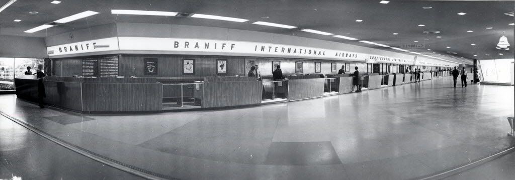 Braniff International's home at Dallas Love Field in 1962.