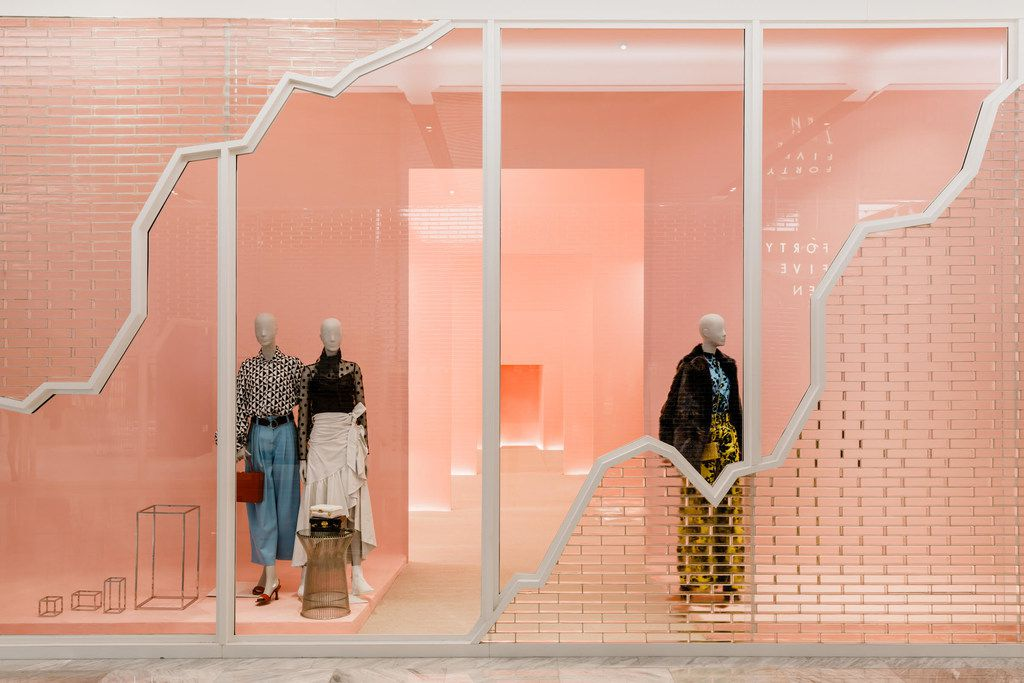 Dallas-based Forty Five Ten opens Friday in New York City s new mall, the Shops at Hudson Yards in four distinct storefronts connected by their glass brick facades. This view into the women s shop is almost an optical illusion of consecutive shops, and it's meant to be a little disorienting.