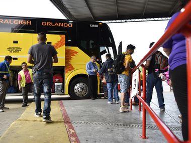 La estación de Autobuses Tornado en Dallas se veía así hace un año. La compañía dice haber implementado protocolos de seguridad contra el covid-19 antes de que un pasajero que viajó a San Luis Potosí fuera hospitalizado y falleciera en ese estado mexicano.