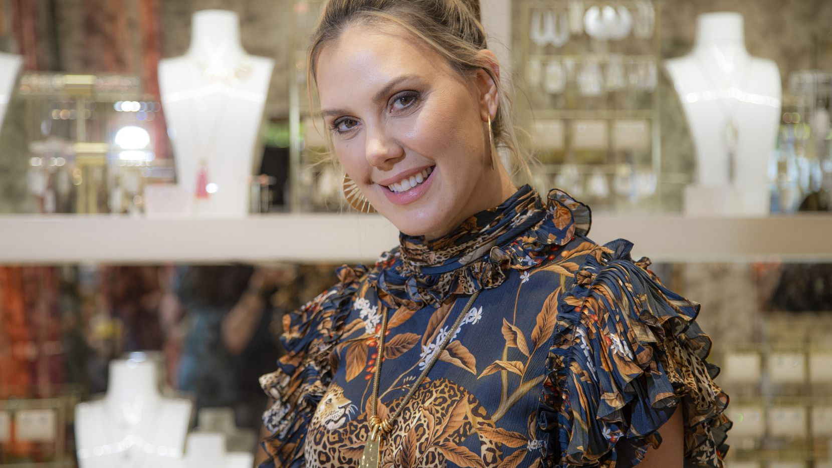 """Jewelry designer Kendra Scott will be a """"guest shark"""" on the ABC business show """"Shark Tank,"""" which lets budding entrepreneurs ask for advice and money from a panel of experienced millionaires and billionaires."""