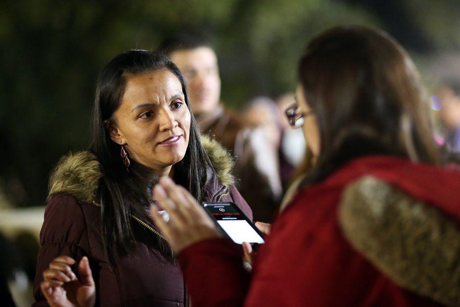 Juana Florén, madre de Benjamín Isaac Castañeda, se mostró conmovida por las muestras de afecto para su hijo de parte de sus compañeros.
