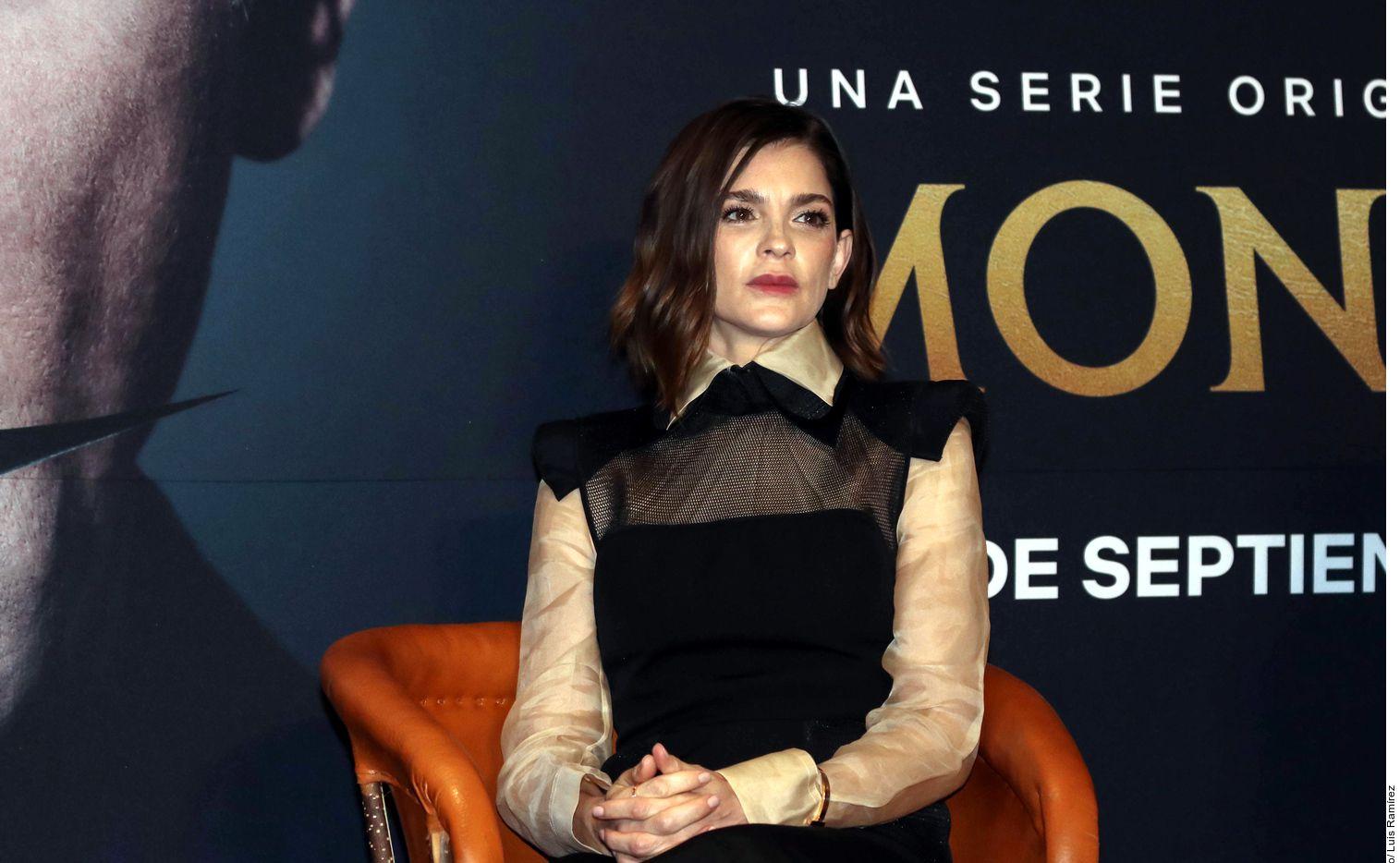 Rosa María Bianchi, como la matriarca de la familia, e Irene Azuela (foto) como Ana María, la hija del fundador recién fallecido de una de las tequileras más importante de México, destacan y brillan con su fuerza.