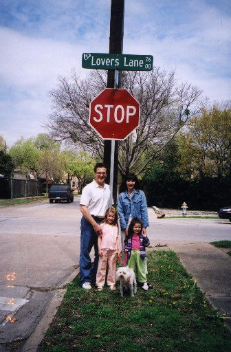 Pamela Gwyn Kripke poses with her then-husband, Bob, and family along Lovers Lane for a 2001 story in The Dallas Morning News