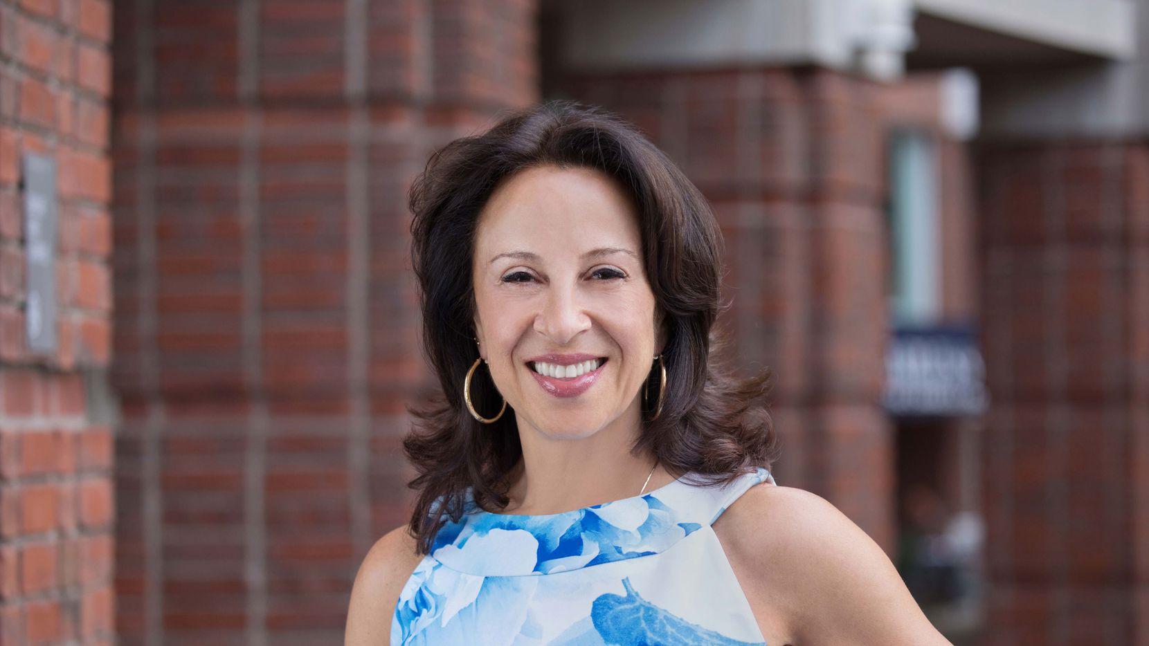 La periodista María Hinojosa participará de un panel sobre la historia de la inmigración como parte de la celebración del Mes de la Herencia Hispana en Dallas College.