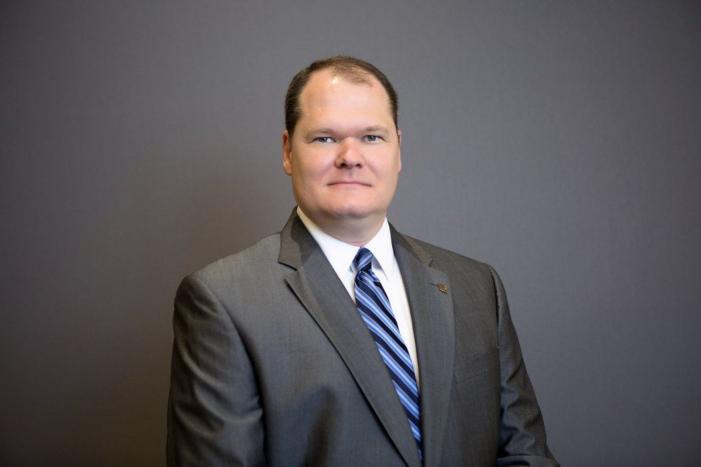 Pinnacle Bank promoted Marvin Walter to branch president.