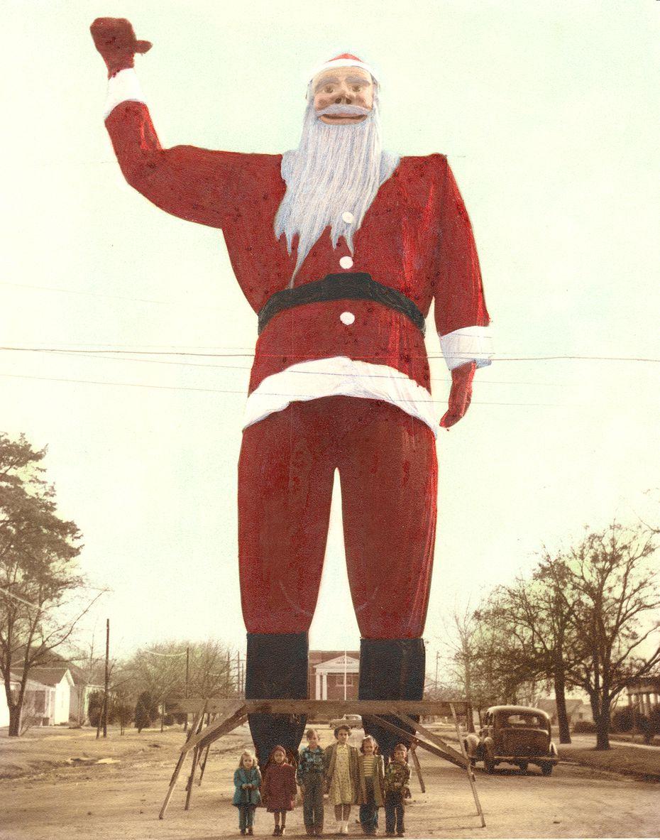The precursor to Big Tex: a giant Santa Claus in Kerens, Texas.