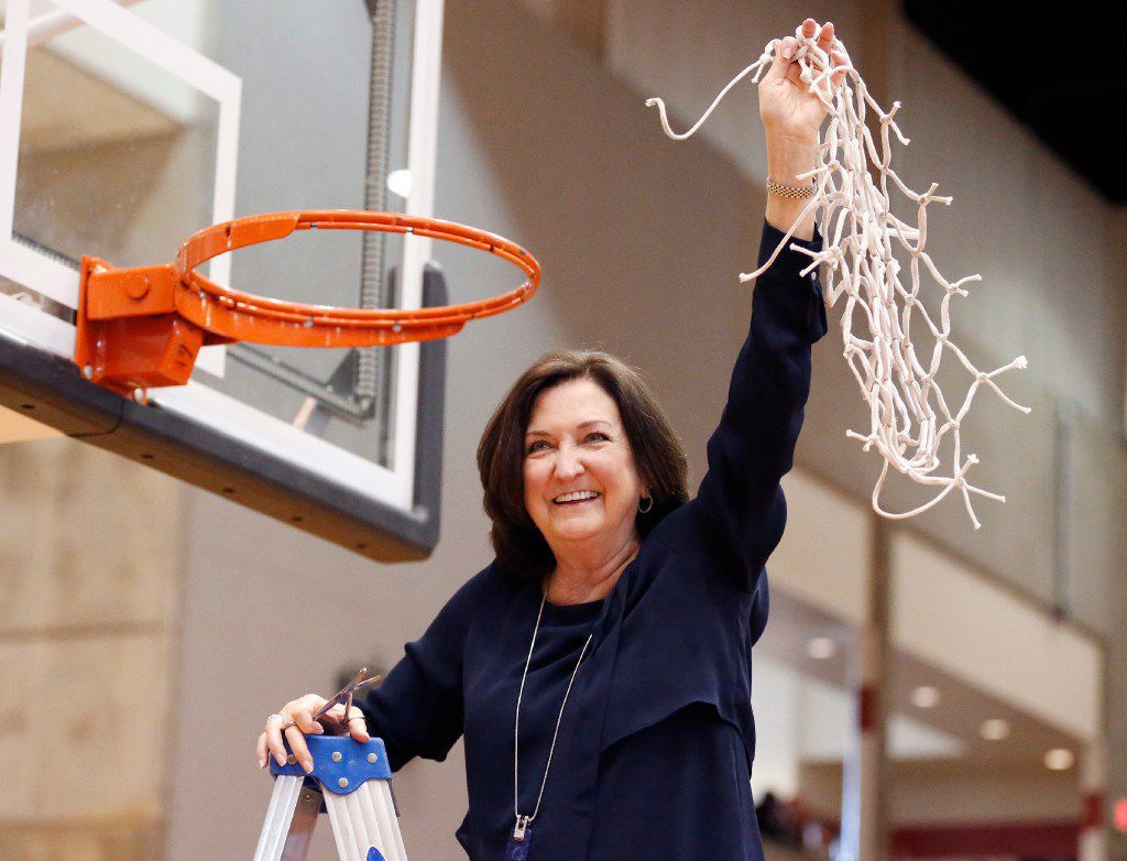 Duncanville girls basketball coach Cathy Self-Morgan celebrated her team's 62-49 win over South Grand Prairie in a regional final in 2017.