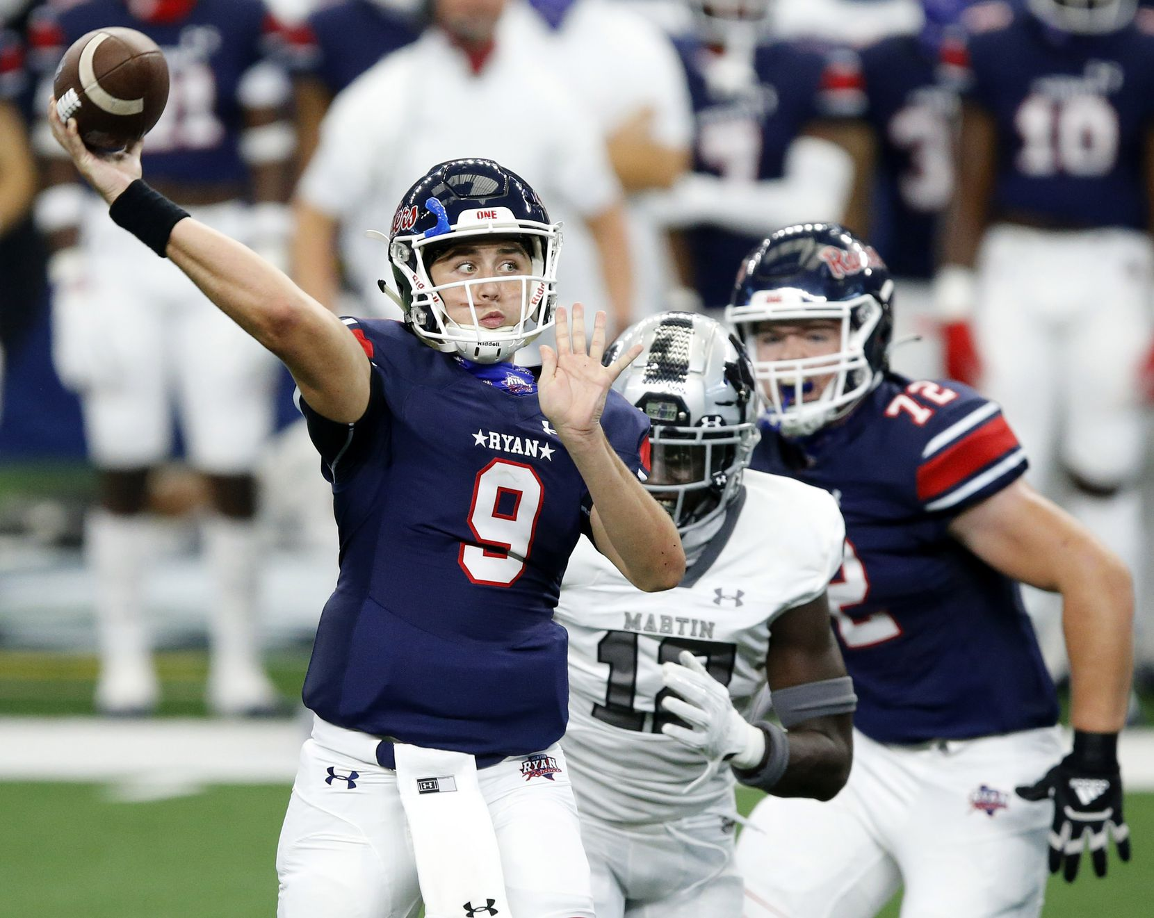 Denton Ryan quarterback Austin Jordan (9) tosses a first quarter touchdown pass against Arlington Martin at AT&T Stadium in Arlington, Friday, September 25, 2020. Wide receiver Billy Bowman Jr caught the pass in the end zone. (Tom Fox/The Dallas Morning News)