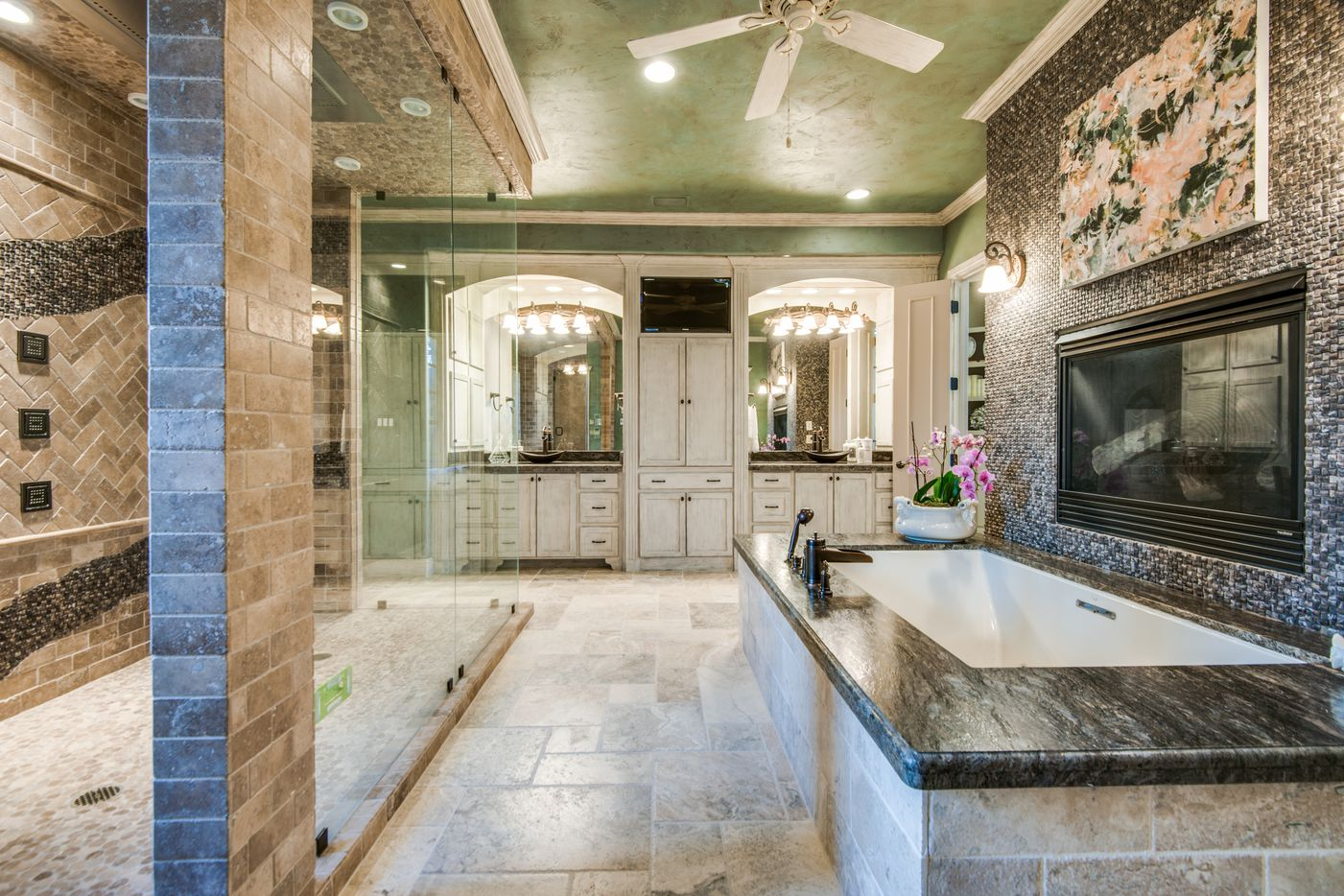 A look at the property at 5101 Kensington Court in Flower Mound.