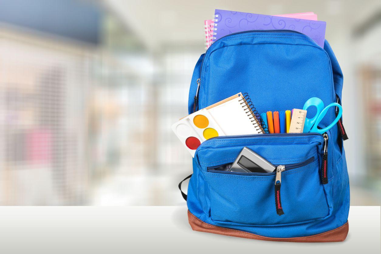 Entregaran mochila y útiles escolares durante una feria de regreso a clases en Cedar Hill. ARCHIVO