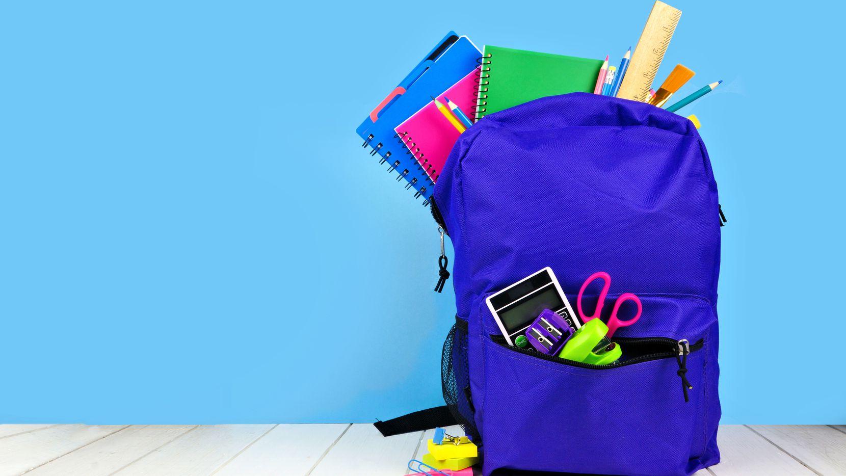 El fin de semana habrá una entrega de útiles escolares en Oak Cliff.