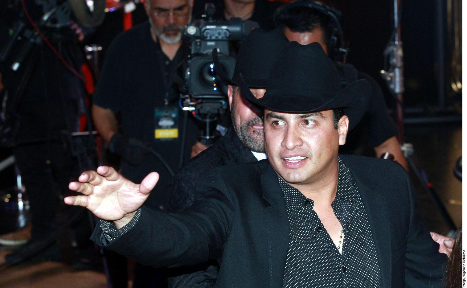 El cantante Julión Álvarez (foto) ha unido su voz con famosos como Juan Gabriel, Julio Iglesias, Dulce María, Edith Márquez, Anahí y Ricky Martin./AGENCIA REFORMA