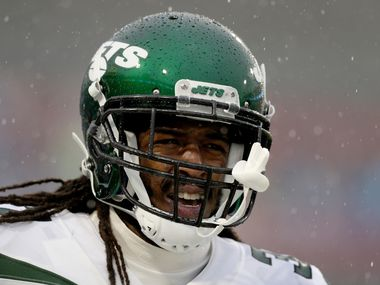 ORCHARD PARK, NEW YORK - DECEMBER 29: Maurice Canady #37 of the New York Jets reacts during the second quarter of an NFL game against the Buffalo Bills at New Era Field on December 29, 2019 in Orchard Park, New York.