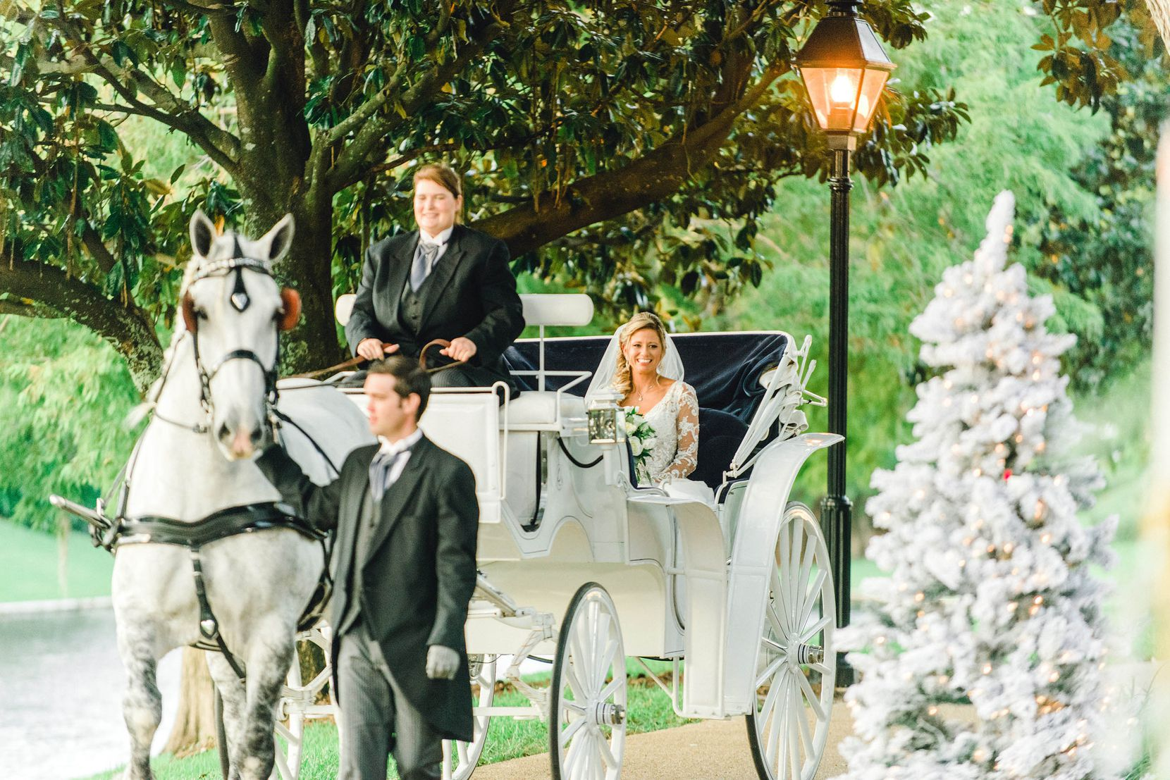 Disney offers a range of Fairy Tale Weddings at various locations around the theme park.