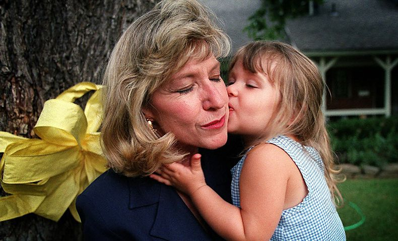 Jan Bynum and her husband took over raising their granddaughter, Alexis, after Jan's daughter, Kelli Cox, disappeared in July 1997. The City of Farmers Branch provided a yellow ribbon to adorn a tree in their  front yard.