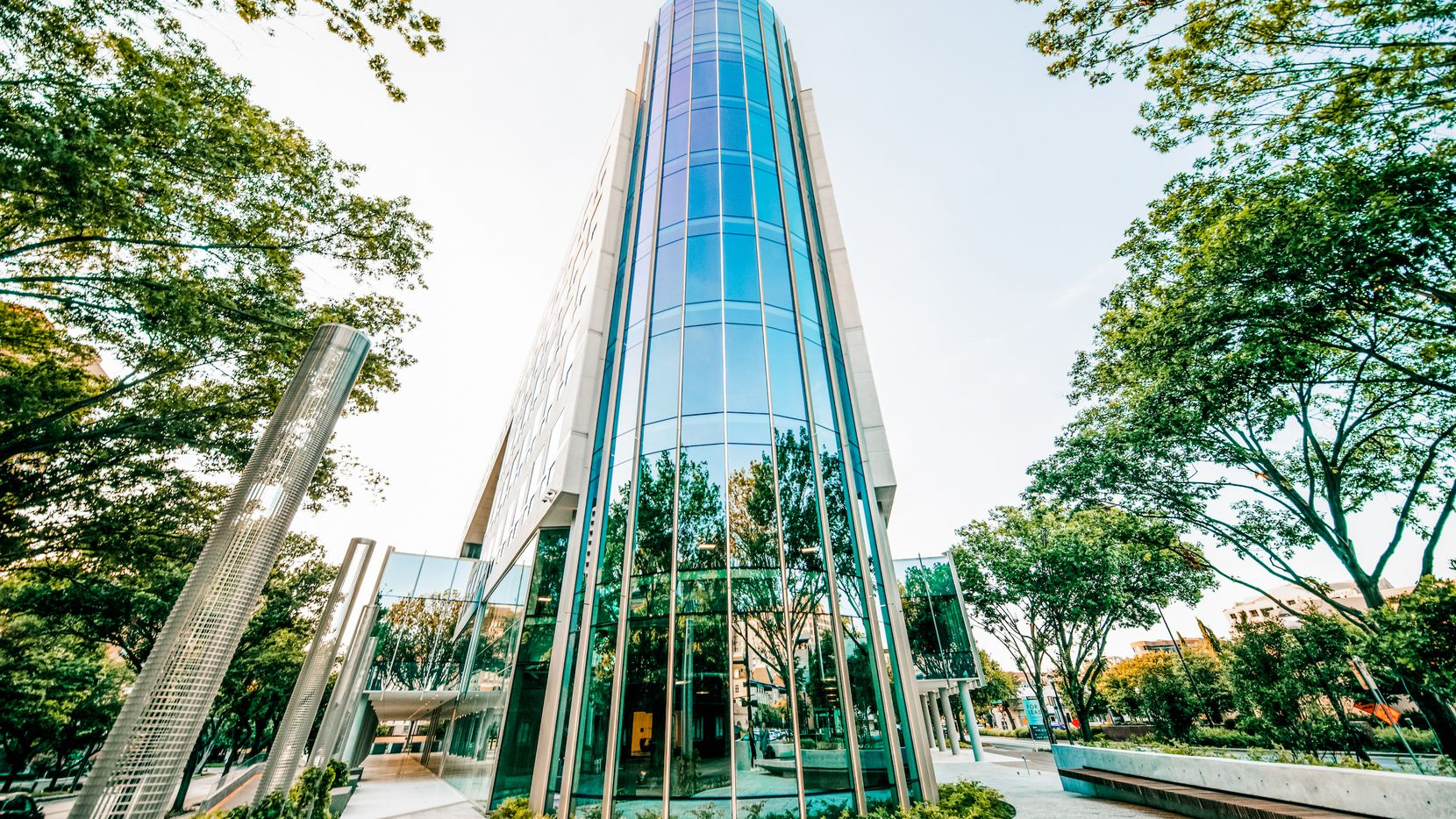 The 2401 Cedar Springs office building in Dallas' Uptown district was renovated by Crescent Real Estate.