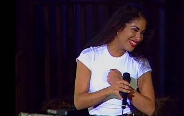 Selena performing in Acapulco