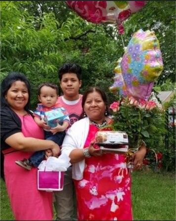 Melinda Mireles-Ibara (right) and her family.