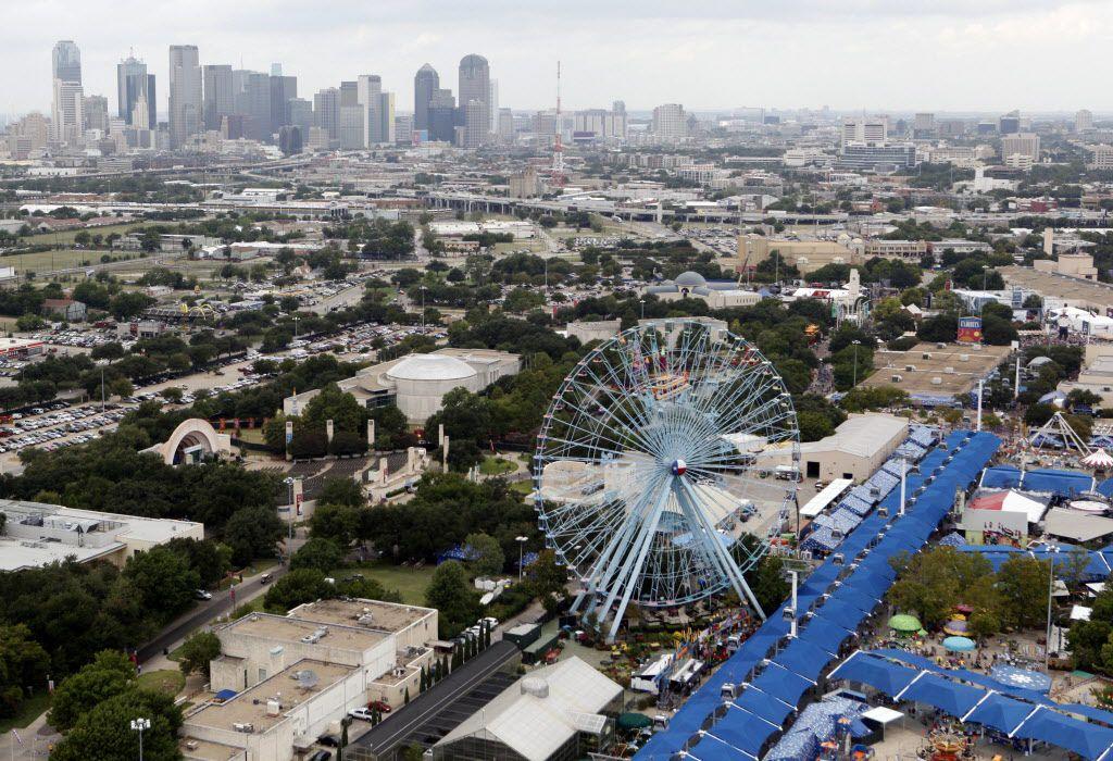 Disfruta de los paseos gratis en la rueda de la fortuna de Fair Park por motivo de la celebración de su aniversario./Vernon Bryant/The Dallas Morning News)