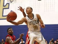 Little Elm's RJ Hampton scores against South Garland during a game in 2018. (Rose Baca/The Dallas Morning News)