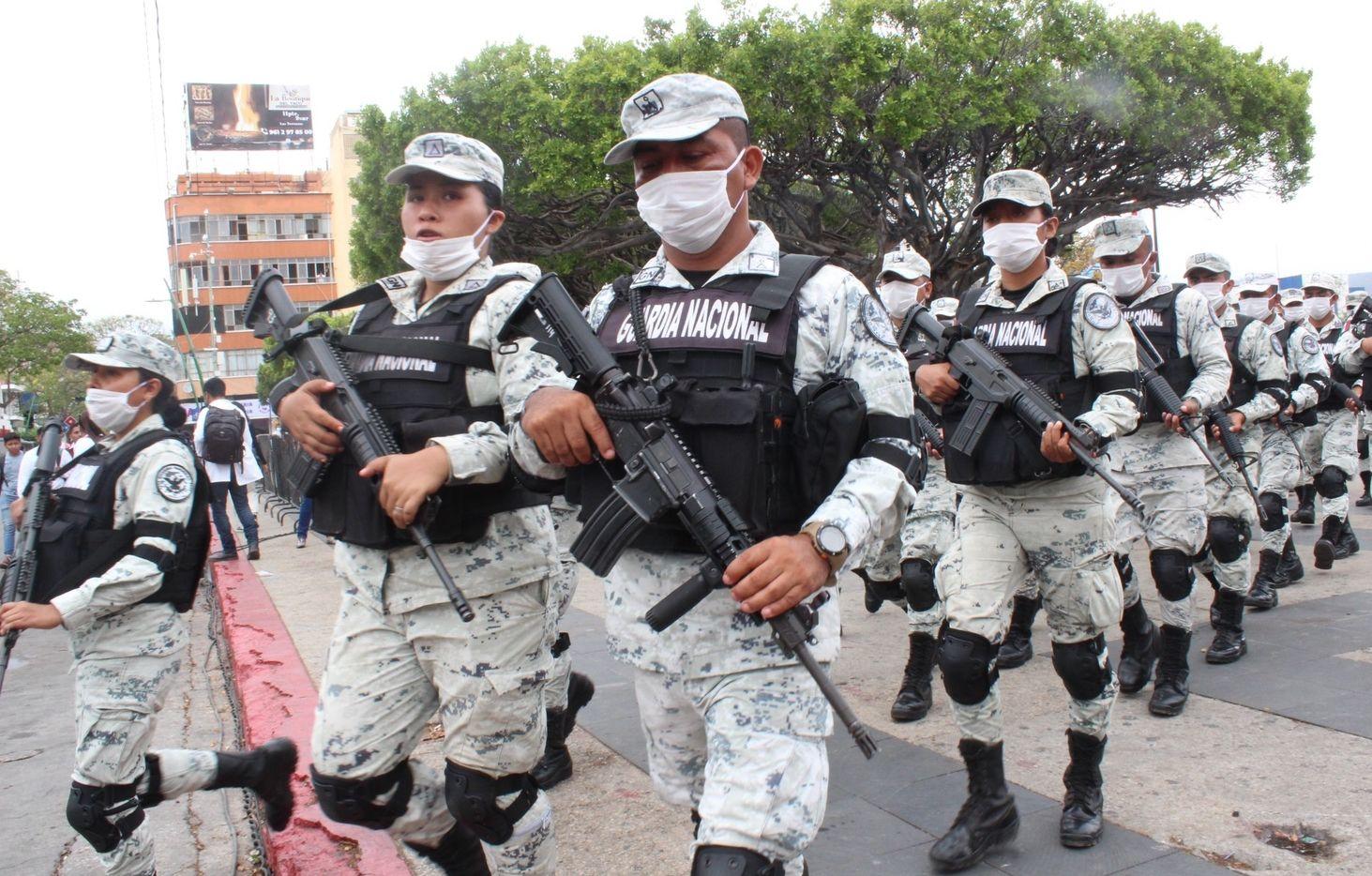 Elementos de la Guardia Nacional fueron enviados a Tuxtla Gutiérrez, Chiapas, para vigilar paso de migrantes de Guatemala a México.
