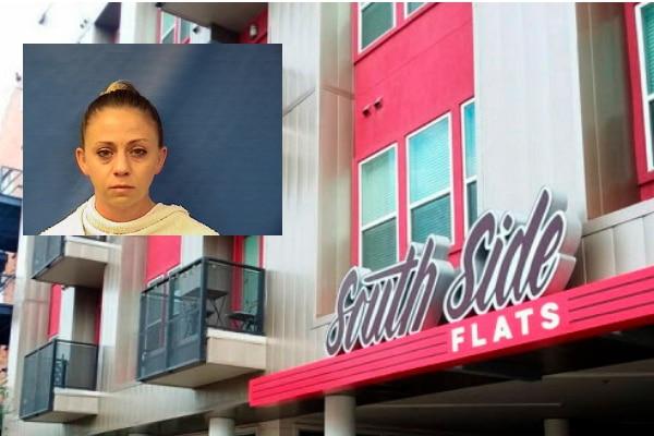 La ex policía Amber Guyger compareció el martes en una corte. Guyger mató a su vecino Botham Jean luego de confundirse de apartamento.