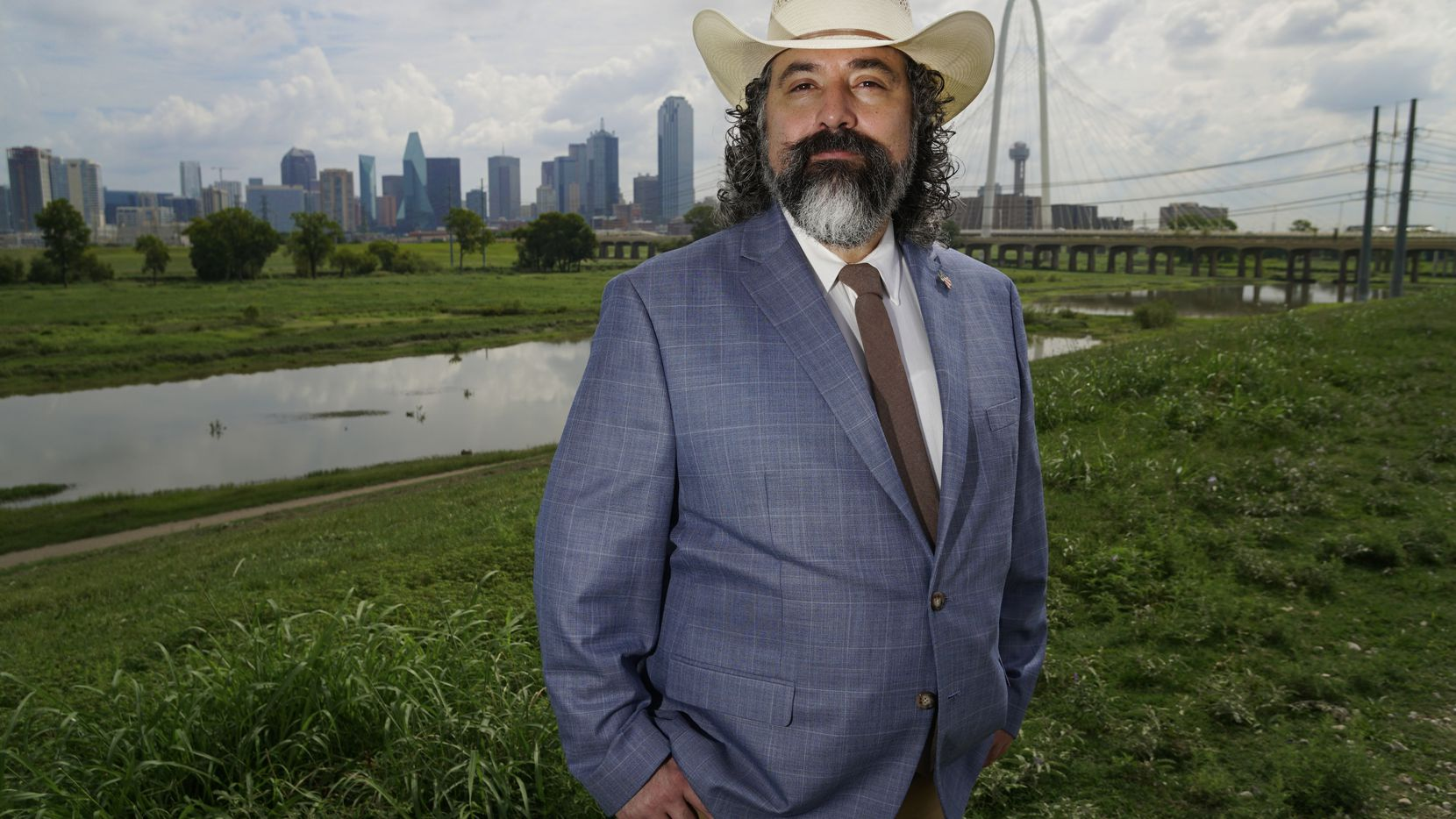 Daniel Serralde está encargado de impulsar el voto hispano entre los republicanos del condado de Dallas.