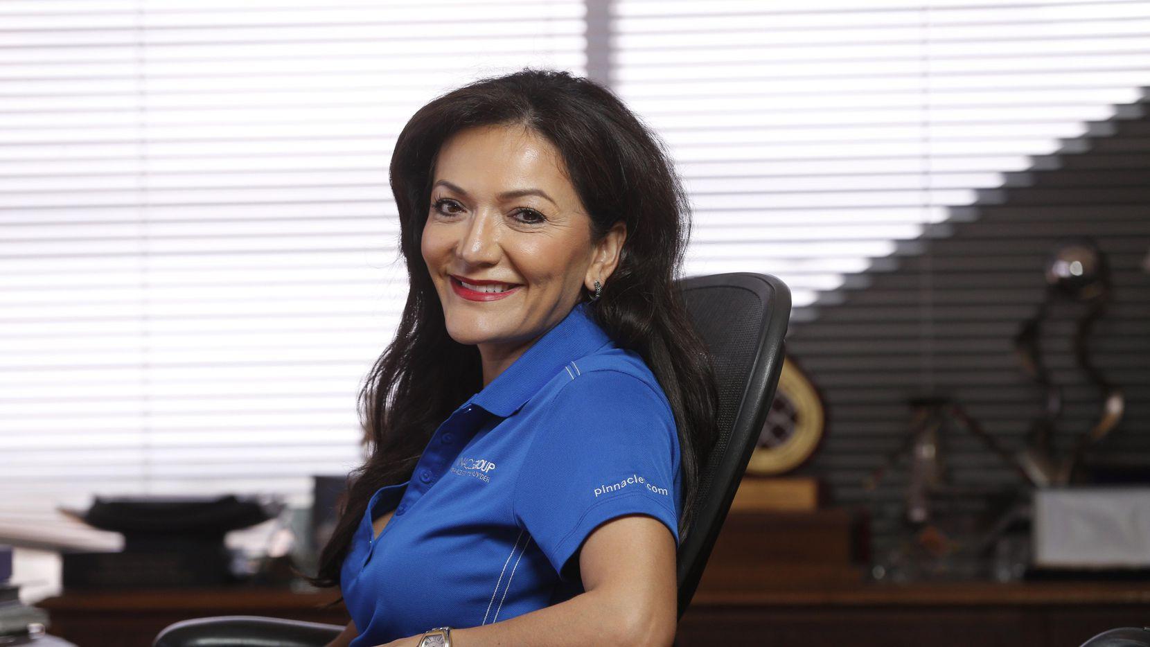 Nina Vaca, dueña de Pinnacle Group, en su oficina en Dallas. (DMN/NATHAN HUNSINGER)