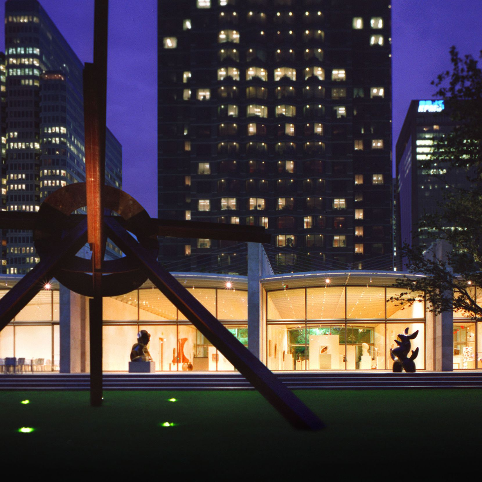 Renzo Piano's Nasher Sculpture Center is a serene work of modernism.