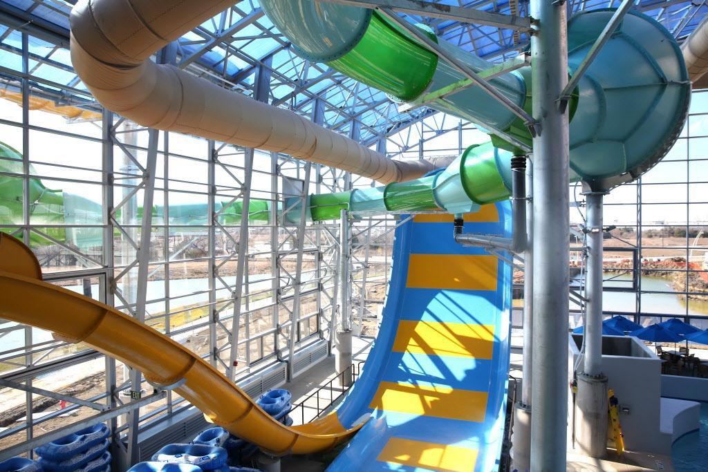 El nuevo parque acuático Epic Waters tiene un techo retráctil para lidiar con los caprichos del clima. ROSE BACA/DMN