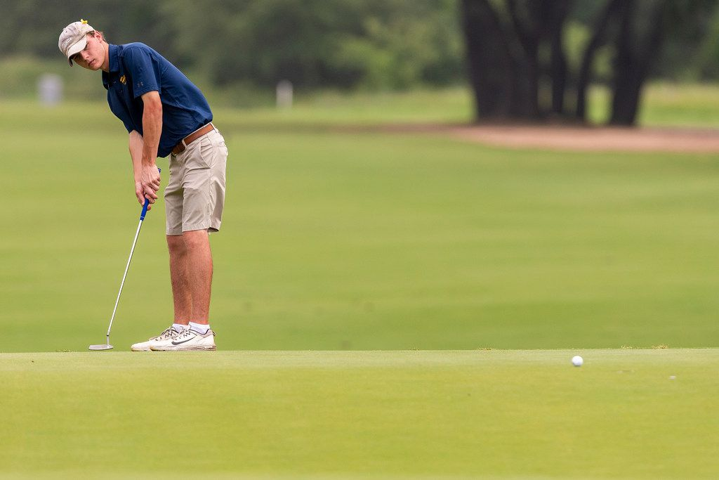 Highland Park's Austin Morrow putts on the 5th green during round 1 of the UIL Class 5A boys golf tournament in Georgetown, Monday, May 20, 2019. (Stephen Spillman/Special Contributor)
